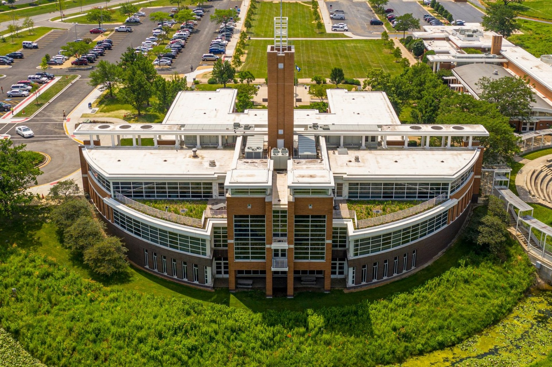 Village of Orland Park Green Roof: One Year After the Build